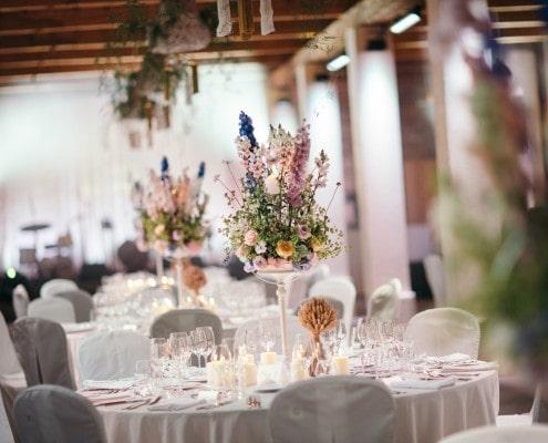 Vestuvių stalo dekoras Šešuolėlių dvare