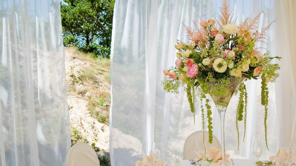 Stalo dekoras vestuvių pokyliui