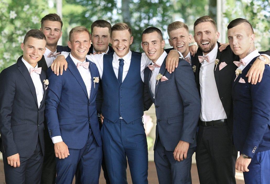 Jaunikis Edgaras su pabroliais