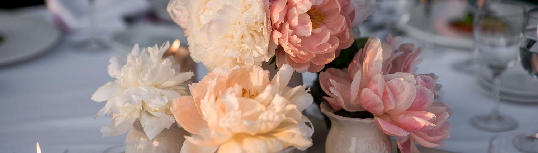 Vestuvių pokylio stalo gėlės